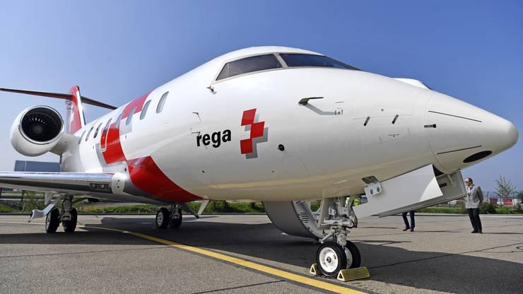 Der Jet steht am Flughafen Zürich.