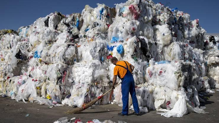 Unternehmen engagieren sich im Kampf gegen Plastik.