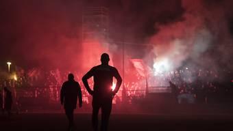 Die Lichter des Stadion Brügglifeld gingen vor dem Match aus