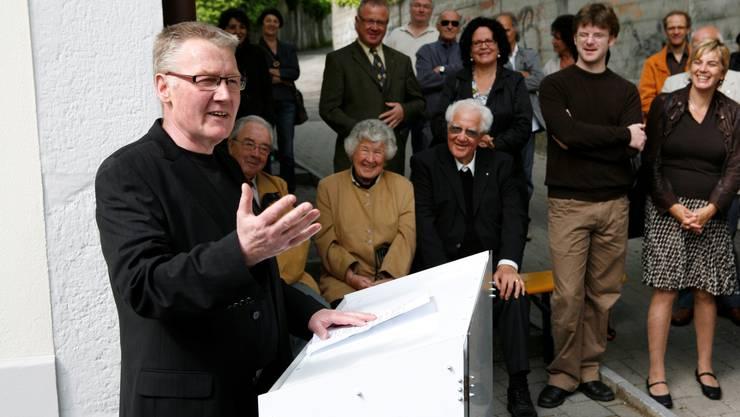 Alfred Fasnacht 2009 bei einer Ansprache.