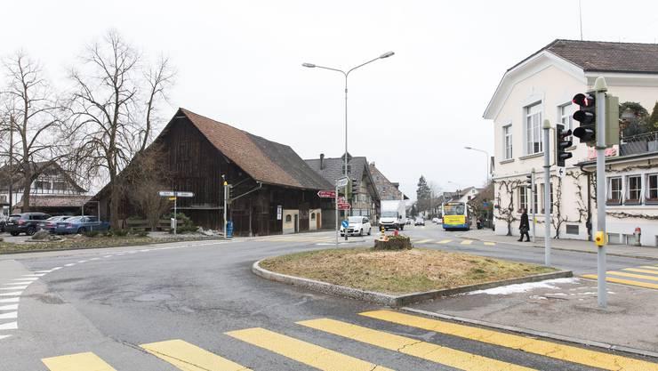Im Februar 2018 wurde die Linde im Weininger Zentrum im Vorfeld zu den seit März 2018 laufenden Strassenbauarbeiten gefällt.