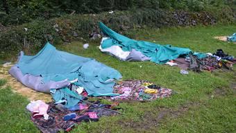 """Die Polizei nannte es einen """"Saubannerzug"""": das zerstörte Zeltlager in Ennetmoos NW."""