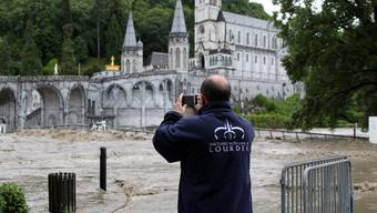Wallfahrtsort Lourdes überschwemmt
