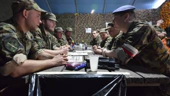 Im Welt-Friedens-Index spielen auch Militärausgaben eine Rolle: Angehörige der Schweizer Armee (Symbolbild)