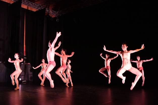 Eröffnungsabend 23. Oltner Tanztage mit Cinevox Junior Company