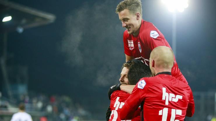 Jubel beim FC Aarau nach dem 3:1-Heimsieg gegen Wil.