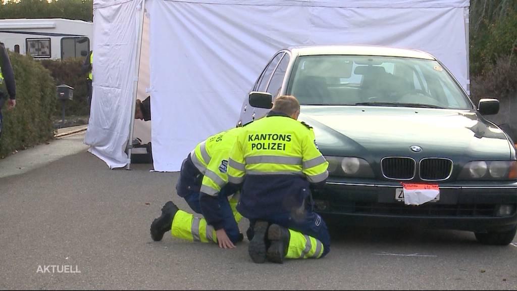Tragischer Verkehrsunfall: 93-Jähriger überfährt seine Frau