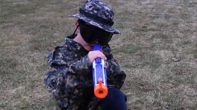Trotz Terror – Kriegsspielzeug boomt
