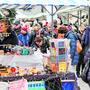 Am Adventsmarkt werden Produkte verkauft, die von Menschen mit einer Beeinträchtigung produziert wurden.