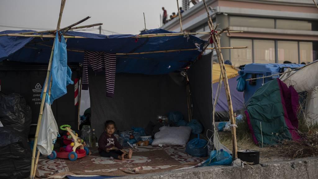 Nach Brand in Moria: Kinderhilfswerke schreiben an Keller-Sutter