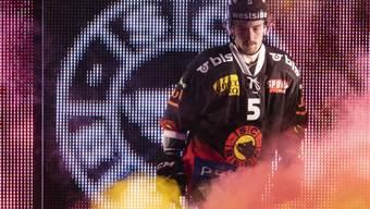 Vier Spielsperren gegen den schwedischen Verteidiger: Adam Almquist muss sich noch etwas gedulden, ehe er wieder mit dem SC Bern auflaufen kann