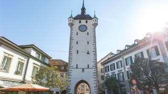 Beim Stadtturm in Baden gilt ein Durchfahrverbot.