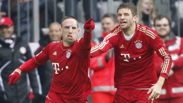 Bayerns Franck Ribéry (links) war gegen Schalke in Torlaune