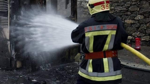 Der Haupttäter der Brandstifter war Mitglied der freiwilligen Feuerwehr (Symbolbild)