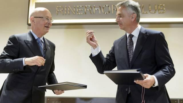Themensetzen am WEF: Klaus Schwab und Bundesrat Didier Burkhalter