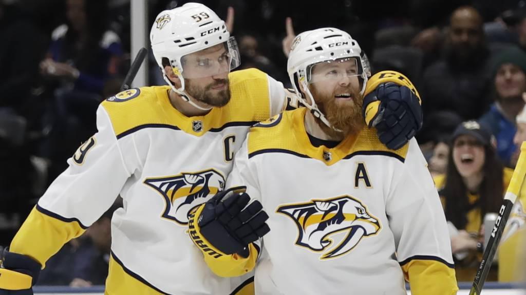 Roman Josi und Ryan Ellis feiern den Sieg der Nashville Predators