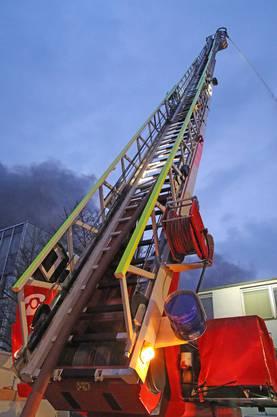 Ein Grossaufgebot der Feuerwehren Rothrist, Aarburg und Oftringen war stundenlang im Einsatz.