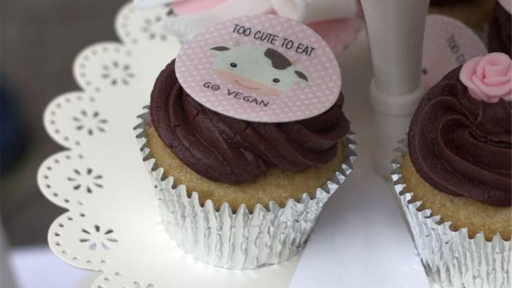 Auch ohne tierische Produkte lässt sich backen: vegane Cupcakes.