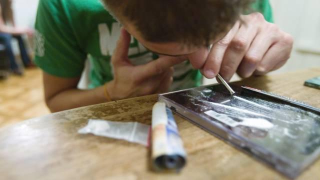 Die Zürcher konsumieren pro TAg etwa 1,6 Kilogramm Kokain (gestellte Aufnahme).