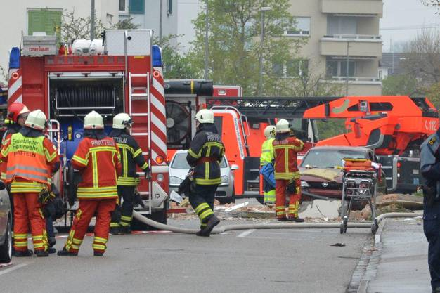 In Pratteln explodiert ein Teil eines Wohnhauses