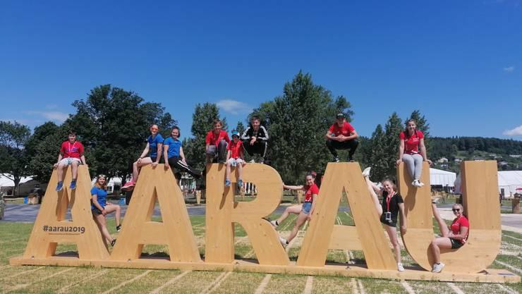 Die Turnerinnen und Turner geniessen das Eidgenössische Turnfest in Aarau.