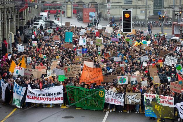 Junge Klima-Demonstranten in Bern.