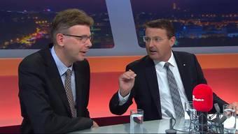 Die Aargauer Regierung willweiteran der Sparschraube drehen, weil sonst ein massives Defizit drohe. Zudem will sie die Steuern erhöhen. Dagegen gibt es massiven Widerstand. Die Bürgerlichen lehnen höhere Steuern konsequent ab, die Linkensind gegen die Sparpläne.