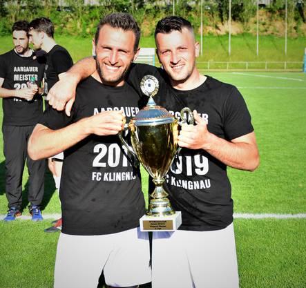 Das Stürmerduo Shqiprim Thaqaj (links) und Nexhdet Gusturanaj war für über die Hälfte aller Klingnauer Saisontore verantwortlich. Ihr Anteil am Gewinn des Aargauer Meistertitels ist enorm.