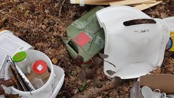 Zwischen Halten und Heinrichswil gefundener Abfall