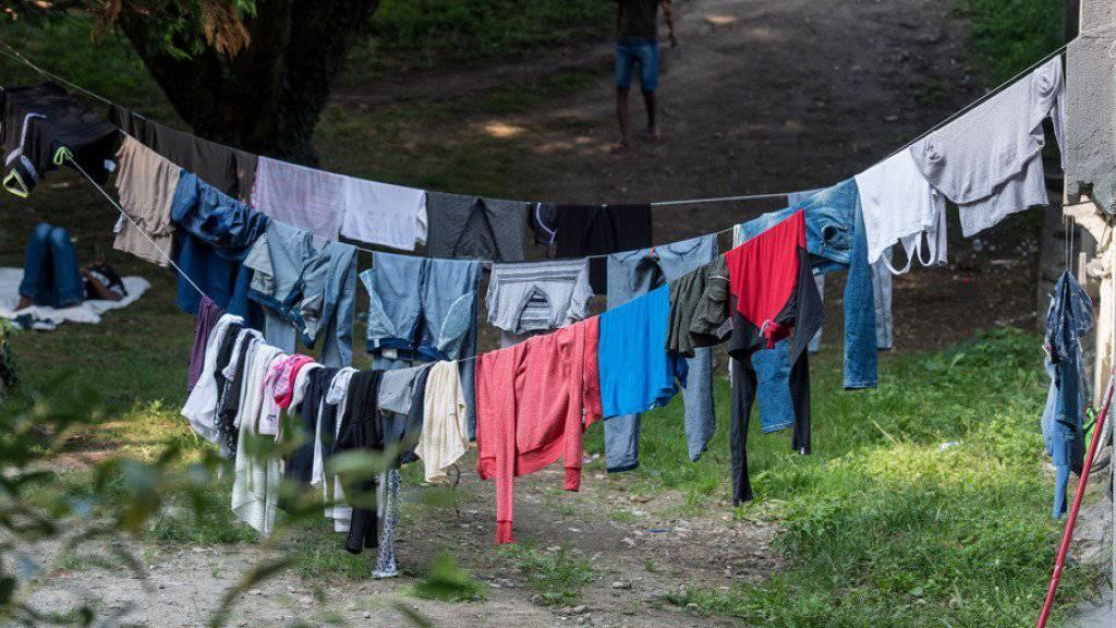 Die Grüne Fraktion will in der Herbstsession vom Bundesrat Antworten erhalten zum Umgang mit den im norditalienischen Como gestrandeten Flüchtlingen.
