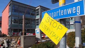 Schülerinnen und Schüler der Primarschule Oberdorf in Oensingen setzen sich bei den Eltern dafür ein, dass ihr Schulweg wieder sicherer wird.