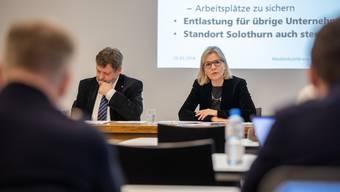 Regierungsraete Roland Heim und Brigit Wyss Kampagne Staf/SV 17