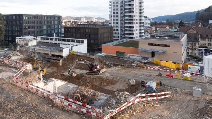 Wo bis vor kurzem das Schulhaus Burghalde 2 stand, entsteht bis 2021 das neue Schulhaus Burghalde 3.