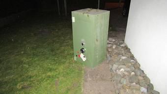Nach dem Einbruch in ein Einfamilienhaus wurde die Täterschaft von einem Nachbarn gehört und ist ohne den 150 Kilogramm schweren Tresor geflüchtet.