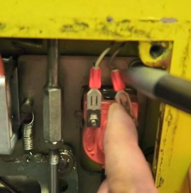 Lose elektrische Verbindung beim Druckwellenschalter der Türe 4.