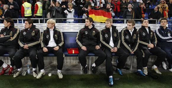 Beim Länderspiel gegen die Elfenbeinküste haben die Nationalmannschafts-Kollegen einen Platz für Robert Enke reserviert.