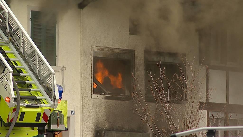 Brand in Wetzikon: Flarzhäuser müssen abgebrochen werden