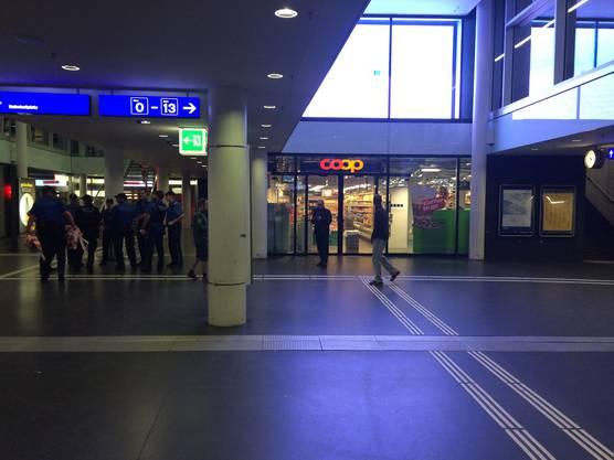 Die Unterführung am Aarauer Bahnhof wurde gesperrt.