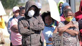 Südafrika ist eines der am härtesten getroffenen Länder der Welt. Die Arbeitslosigkeit ist seit Ausbruch der Pandemie auf 30 Prozent gestiegen.