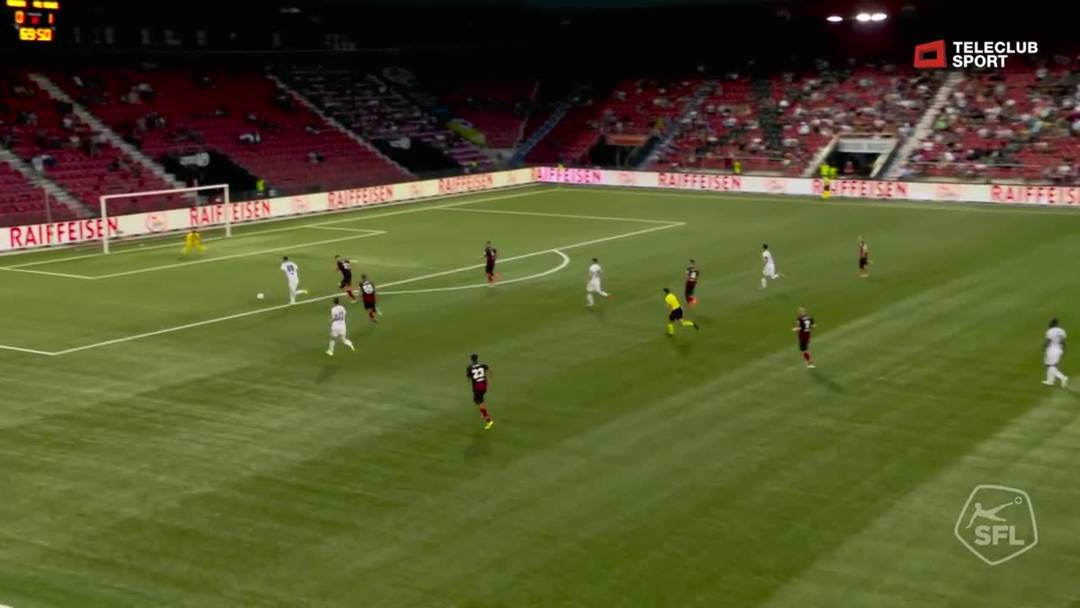 Kemal Ademi tifft in der 70 Minute im Nachschuss zum 2:0