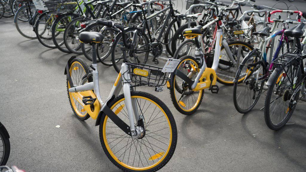 Die mehreren hundert OBike-Fahrräder, die eines Tages plötzlich überall in der Stadt Zürich anzutreffen waren, sorgten im Sommer für hitzige Diskussionen. (Archiv)