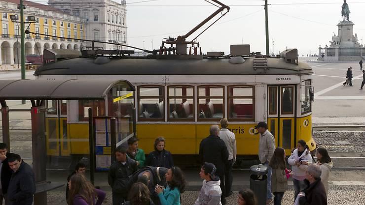 Die amerikanische Ratingagentur Standard & Poor's hat am Freitag die Bonitätseinstufung von Portugal angehoben. (Symbolbild Lissabon)