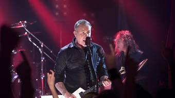 Metallica-Sänger James Hetfield beim Auftritt vom Donnerstagabend in Berlin.