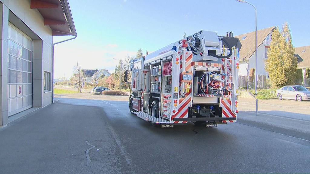 Schweizweit einzigartiges Feuerwehrauto (© BRK News/Beat Kälin)