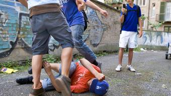 Viele Jugendliche trauen sich nicht, Hilfe zu holen. (Symbolbild)