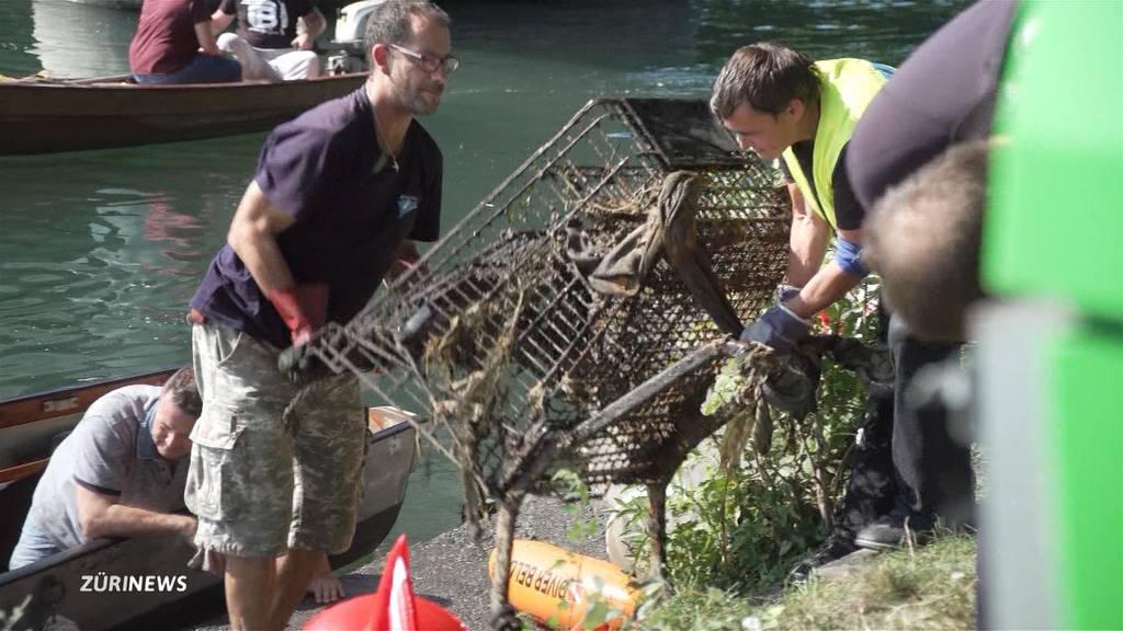 Clean Up Day: Taucher fischen tonnenweise Schrott aus der Limmat