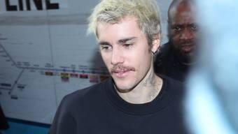 """Der kanadische Sänger Justin Bieber zeigt sich enttäuscht nach seiner viermaligen Nominierung für den Grammy: Sein Album """"Changes"""" gehöre in die Kategorie R&B und nicht Pop."""