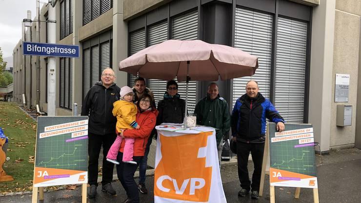 Die CVP Olten sammelte Unterschriften  für die Volksinitiative: Für tiefere Prämien - Kostenbremse im Gesundheitswesen.