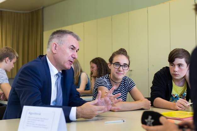 Hürzeler besucht den Informatikunterricht in der 2. Gymnasialstufe.