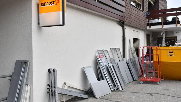 Wird eine Poststelle geschlossen, muss deren Agentur als Ersatz ebenfalls behindertengängig sein, bekräftigt die Post-Aufsicht. (Symbolbild)